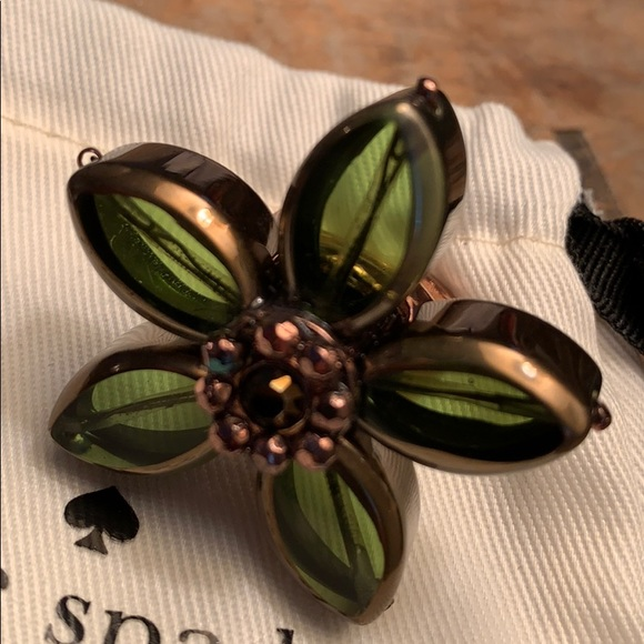 Kate Spade Centrafolia green ring, size 7